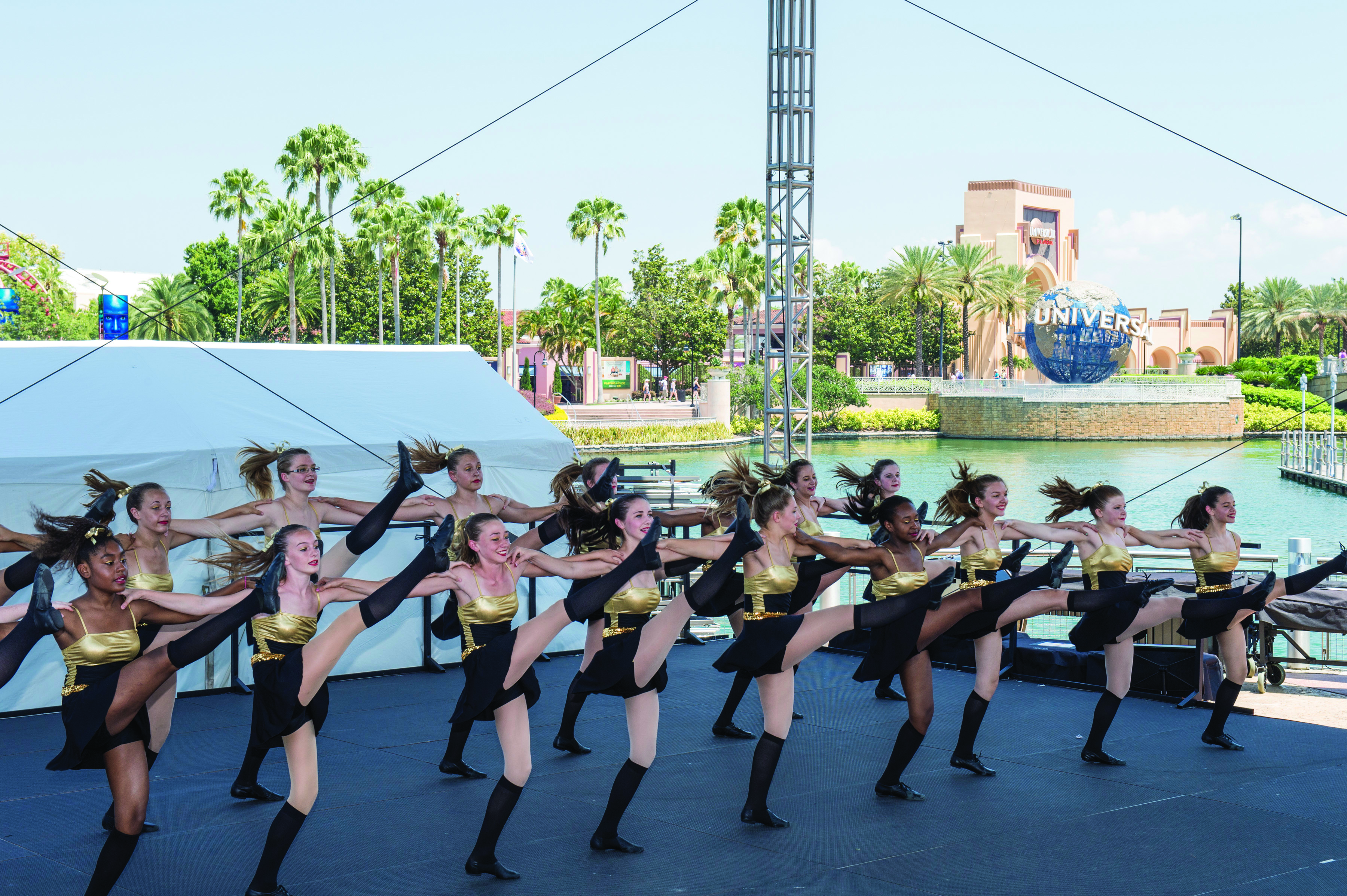 Stars Program, City Walk Stage, Dancers